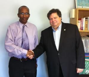 Le député canadien Maurill Bélanger reçoit un représentant djiboutien de l'opposition pour évoquer la situation au pays