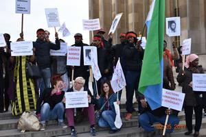 Manifestation à Paris  contre la venue du Guelleh en France
